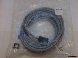 Kábel, csatlakozókábel mágnestekercshez kocka stekkerrel, 24VDC, LED, 5m, 2 eres, Festo 30945