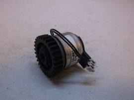 Kuplung, elektromos tengelykapcsoló, 12-24 VDC, 6mm-es tenegelyre, 30,5mm-es fogaskerék, Tenryu Marusava Co. LTD., TMC-5T-03