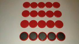 Táblamágnes, hűtőmágnes, tartómágnes, piros, 100db/csomag, 32mm átmérő, 6mm vastag, (hansawerke) bruttó 50.-Ft/db. irodai mágnes, Stroncium-Ferrit korong mágnes