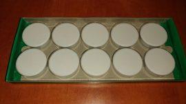 Táblamágnes, hűtőmágnes, tartómágnes, fehér, 10db/doboz, 38mm átmérő, 12mm vastag, Connect KF05590, (hansawerke 7538), erős, síkra merőleges húzóerő 2,5kg, bruttó 200.-Ft/db, Stroncium-Ferrit korong