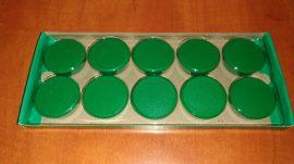 Táblamágnes, hűtőmágnes, tartómágnes, zöld, 20db/csomag, 38mm átmérő, 12mm vastag, Connect KF05593, (hansawerke 7538), síkra merőleges húzóerő 1,25kg, bruttó 100.-Ft/db.