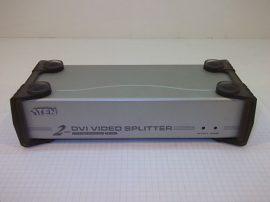 DVI és audio elosztó és erősítő, 2 portos, ATEN VS162 2 Port DVI Video Splitter, (5,3 VDC, táp nélkül!)