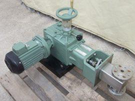 Dugattyús adagolószivattyú, adagoló pumpa, élelmiszer és vegyipari felhasználásra, állítható dugattyú lökethosszal, 380 VAC 1,5kW kb. 90 liter/h
