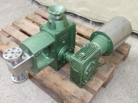 Dugattyús adagolószivattyú, adagoló pumpa, élelmiszer és vegyipari felhasználásra, állítható dugattyú lökethosszal, 380 VAC 1,5kW kb. 86 liter/h