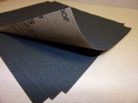 """Csiszolópapír, csiszolólap, A4, Debray 230x280 mm (9"""" x 11""""), Latex P180 CB5, vízálló, Szilícium-karbid (Klingspor PS 11 C) G=180, bruttó 80.-Ft/db, 50db/csomag."""