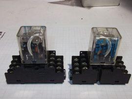 Relé foglalattal 4 pólusú váltóérintkezős Matsushita HC4-AC115V