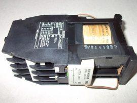 Mágneskapcsoló egyenirányítóval 24VDC, 8 pólusú (4 záró 4 nyitó), 16A, 2,5kW, Siemens 3TH4244-0B