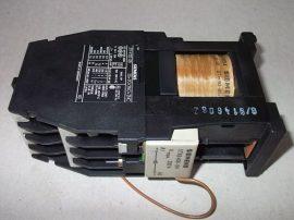 Mágneskapcsoló egyenirányítóval 24VDC, 3+4 pólusú (3 záró +2 záró, 2 nyitó), 16A, 5,5kW, Siemens  3TF4122-0B