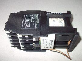Mágneskapcsoló egyenirányítóval 24VDC,10 pólusú (5 záró 5 nyitó), 10A, 4kW, Siemens 3TH4355-0B
