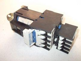 Mágneskapcsoló segédérintkezővel, varisztorral 24VDC, 4 pólusú (4xNO) 40A, 11kW, Telemecanique LP1 D25004