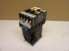 Mágneskapcsoló 24VDC, 4 pólusú (3 záró 1 nyitó) 10A Telemecanique CA3 DN31-BD
