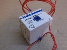 Késleltető érintkező védőkapcsolókhoz, meghúzás késleltetés, 1-30s, 24/48V AC/DC, Telemecanique LA2KT2E, 023004