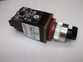 Kapcsoló, pillanatkapcsoló 3 állású (közép nulla), 2 irányú (2xNO), 300VAC 10A, Allen-Bradley 800M-XAS, 800MR-JX9B