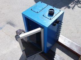 Elektromos elosztó szekrény, 2 oldalas, 2 plexi ajtós, sorkapcsokkal, üres hellyel, 400x550x350 mm